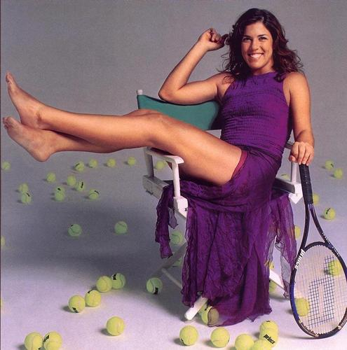 Jennifer Capriati likes to Kick Up her Feet