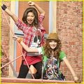Wallpaper just for yoou not me - zendaya-and-bella-thorne photo
