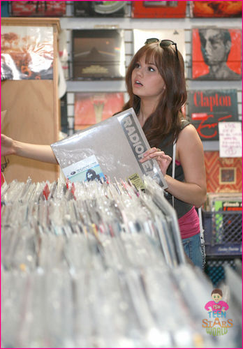 debby ryan burbank shopper