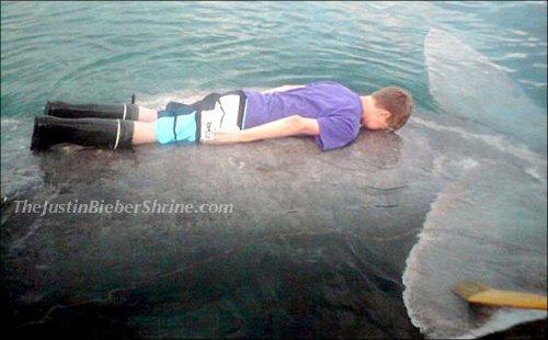 justin bieber planking !