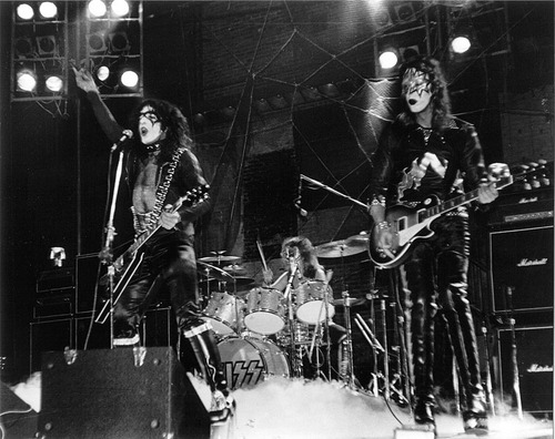 KISS wallpaper with a concert and a guitarist titled kiss 1973