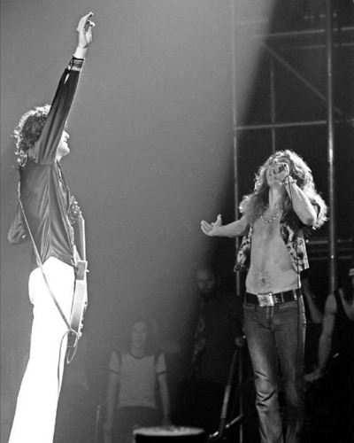 Led Zeppelin wallpaper with a concert entitled led Zeppelin