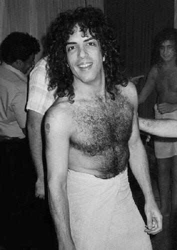 KISS پیپر وال probably with a hunk, a hot tub, and skin called paul stanley 1980