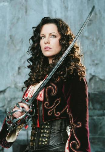 Anna Valerious | 봉고차, 반 Helsing