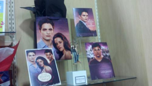 Breaking Dawn merchandise at Comic Con!