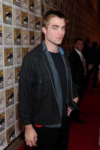 Comic Con 2011 - 'Breaking Dawn: Part 1' [HQ] - robert-pattinson Photo