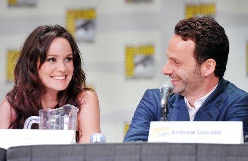 Comic-Con 2011 - Sarah Wayne Callies & Andrew линкольн