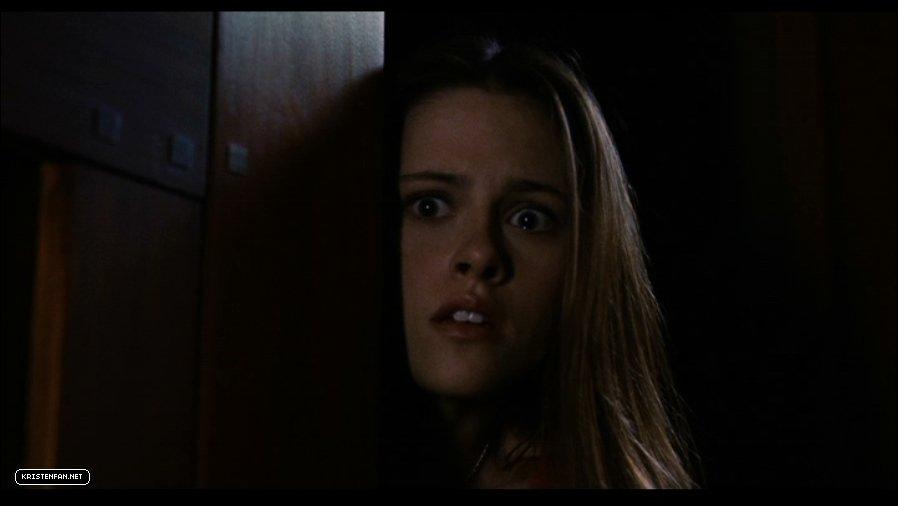 DVD-Screen-Captures-Zathura-kristen-stewart-23985664-898-506 jpgZathura Kristen Stewart