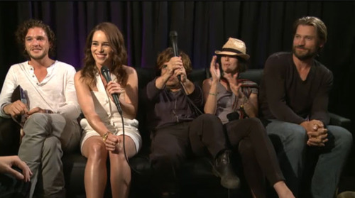 Emilia & Kit at Comic-Con 2011 (with some other cast members)