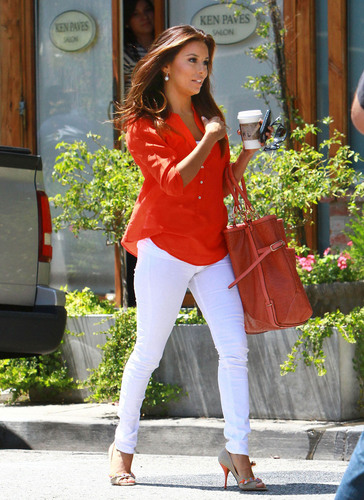 Eva Longoria Leaves The Salon And Gets A Ticket