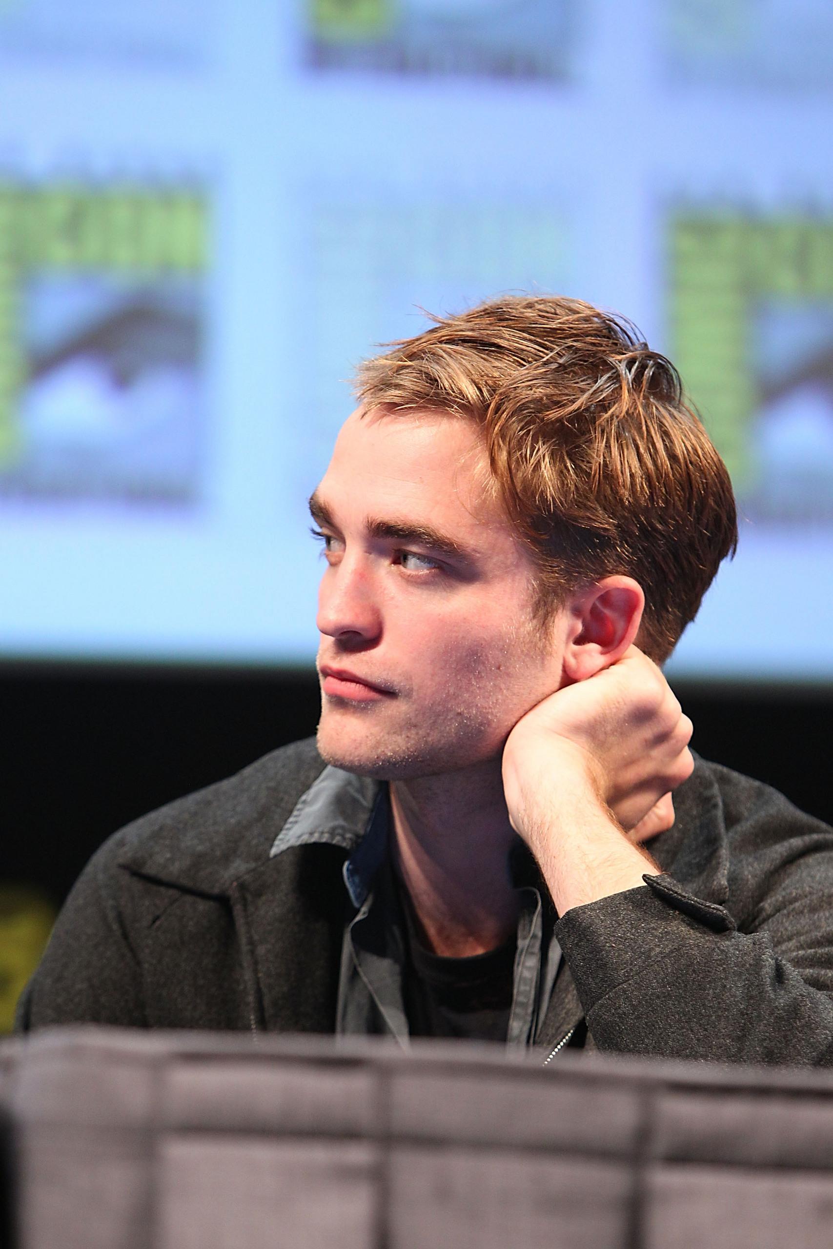 HQ pictures of Robert Pattinson with Kristen Stewart, Taylor Lautner