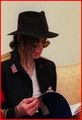 I LOVE YOU READING!!!!!!<3 <3<3 - michael-jackson photo