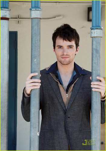 Ian Harding: Troix Teacher