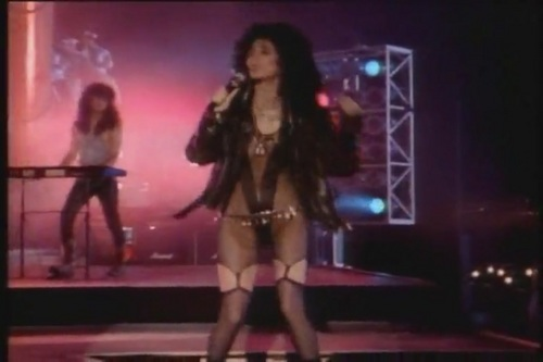 Cher پیپر وال probably containing a کنسرٹ called If I Could Turn Back Time [Music Video]