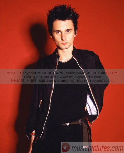 Matthew Bellamy wallpaper possibly with a playsuit and a top entitled Matt