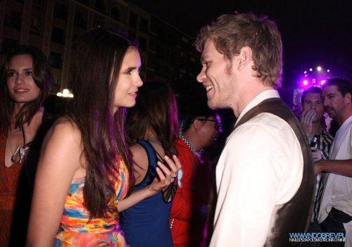 Nina & Joseph @ Comic Con 2011.