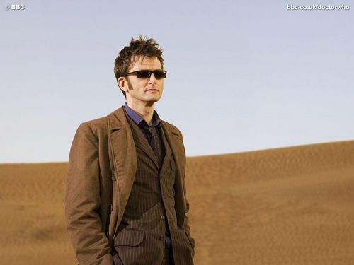 The Tenth Doctor پیپر وال containing a business suit and a suit entitled Planet of The Dead