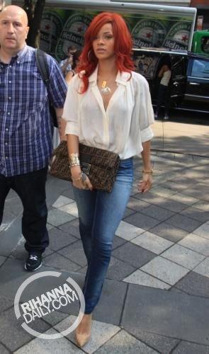 রিহানা - Out and about in New York City - July 20, 2011