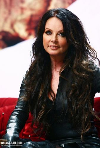 Сара Брайтман Обои probably containing a well dressed person, a hip boot, and an outerwear titled Sarah Brightman