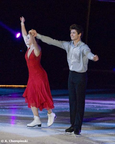 Shall We Dance On Ice 2010 - Virtue & Moir SD