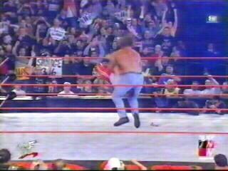 Triple H pedigrees Kurt Angle - (2002)