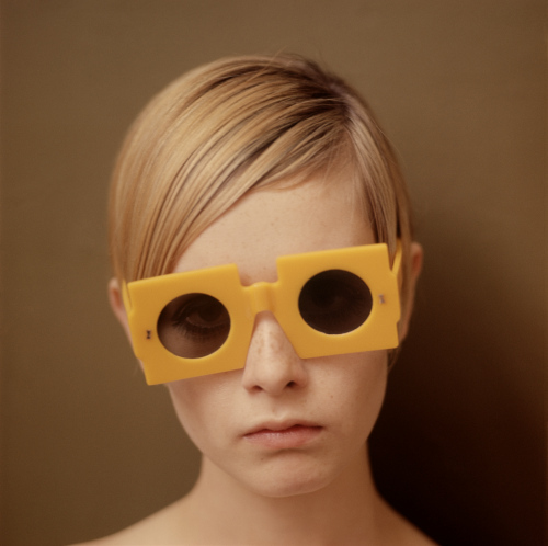 Twiggy wolpeyper containing sunglasses entitled Twiggy