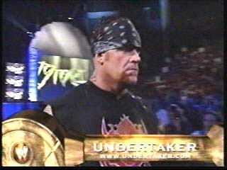 Undertaker achtergrond titled Undertaker enters the Ring - (2002)