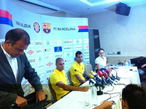 Valdes and Busquets in press conference room in Spit