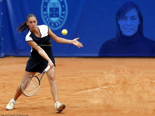 Flavia Pennetta in Clay Play