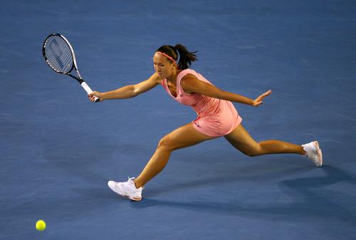 Jelena Janković Stretches to her