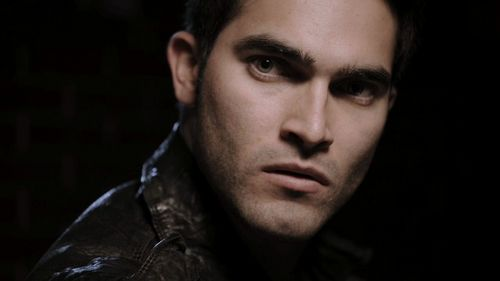 Tyler Hoechlin wallpaper probably with a portrait titled teen-wolf-1x06-Heart-Monitor
