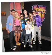 A pic of SHAKE IT UP crew