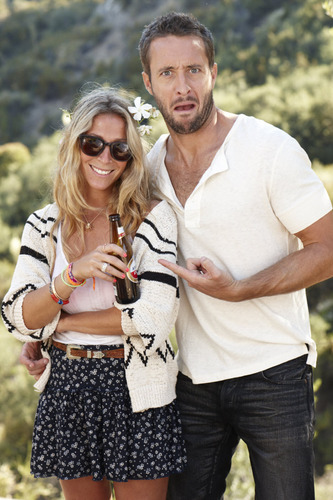 Alex O'Loughlin achtergrond with sunglasses called Alex <3