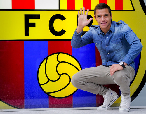 Alexis Sanchez in Barcelona offices