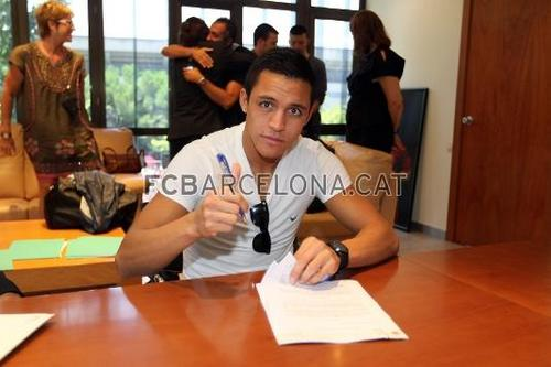 Alexis now wearing Barça colours