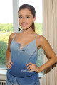Ariana Grande posing for Photos in New York, Jul 26