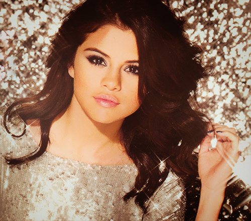 Selena Gomez پیپر وال possibly containing a کاک, کاکٹیل dress, attractiveness, and a portrait entitled Beautiful Selena<3