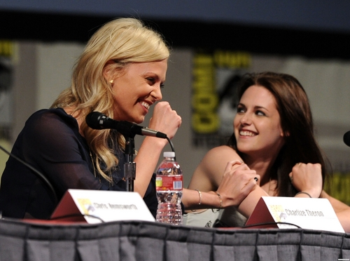Comic-Con 2011 'Snow White and the Huntsman ' Panel - kristen-stewart Photo