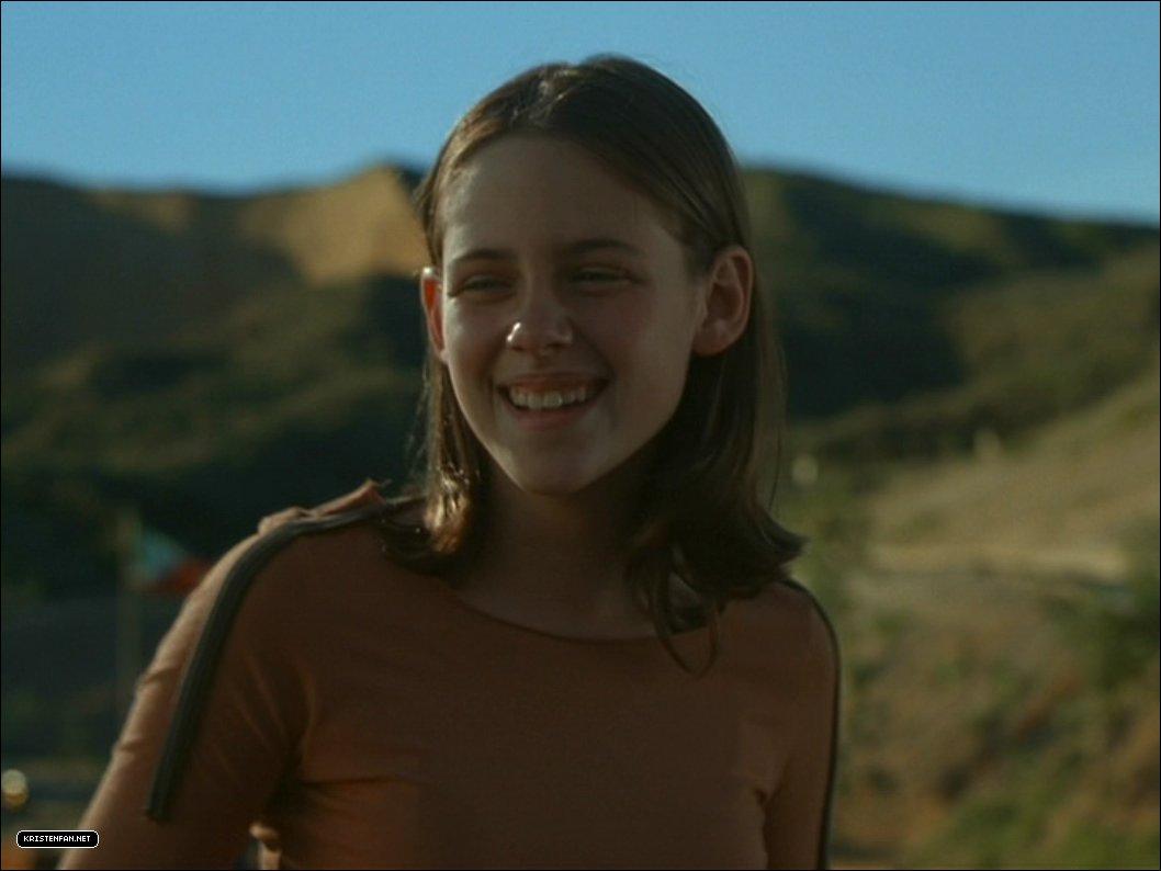 Kristen stewart images dvd screen captures catch that kid for The stewarts