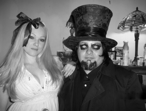 Dark Alice and HAtta