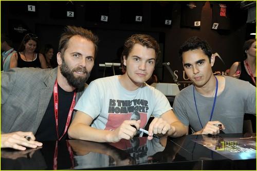 Emile Hirsch & Max Minghella: 'Darkest Hour' at Comic-Con!