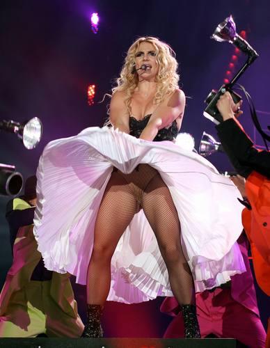 Femme Fatale Tour In Miami 22 07 11