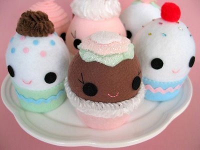Ice-Cream-Cone-Cupcakes-cute-food-24077520-400-300.jpg