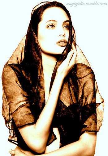 Jolie <3