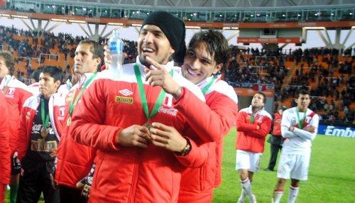 Juan Manuel Loco Vargas y Paolo Guerrero Peru Copa AMerica 2011