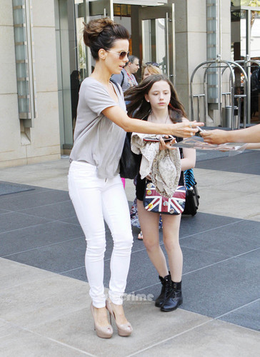 Kate Beckinsale and Daughter seen around during Comic Con, Jul 23