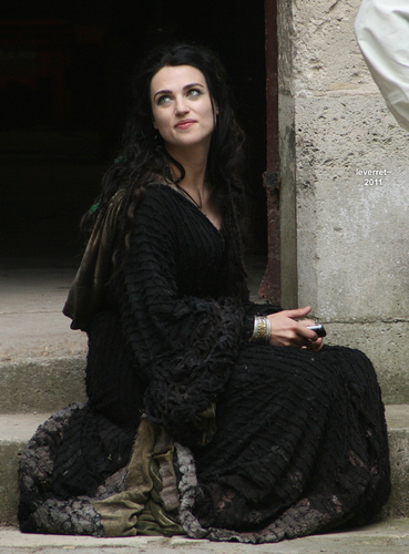 Katie in Pierrefonds S4