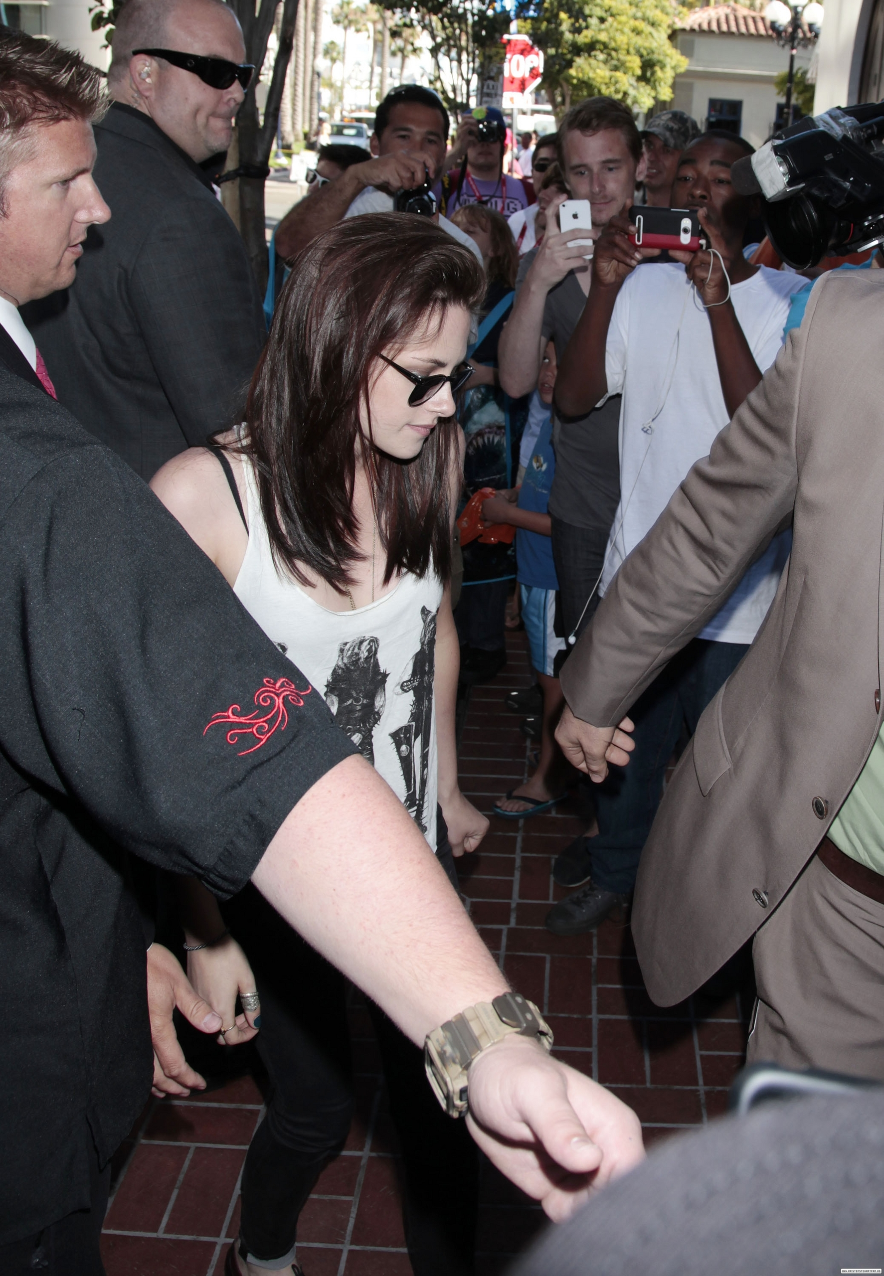 Kristen arriving at the Hard Rock Hotel in San Diego - July 23, 2011