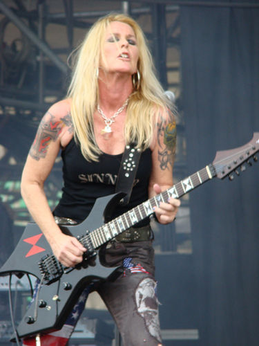 Lita Ford - guitar, gitaa Goddess