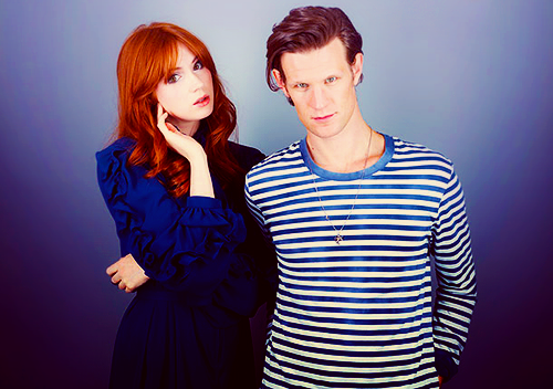 Matt Smith & Karen Gillan wallpaper possibly with a well dressed person, a cocktail dress, and an outerwear titled Matt Smith & Karen Gillan